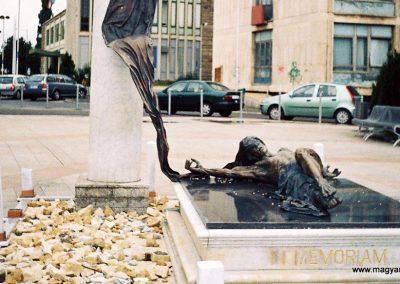 Szombathely II. világháborús -áldozati- emlékmű 2005. küldő Emese (2)