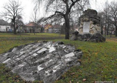 Szombathelyi huszárlaktanya I.vh emlékmű 2009.12.03. küldő-Gyurkusz (12)