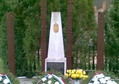 Szuha világháborús emlékmű 2008.11.16. küldő-ataclis (2)