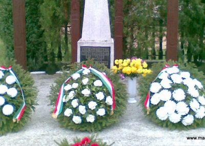 Szuha világháborús emlékmű 2008.11.16. küldő-ataclis (3)