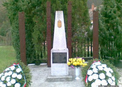 Szuha világháborús emlékmű 2008.11.16. küldő-ataclis