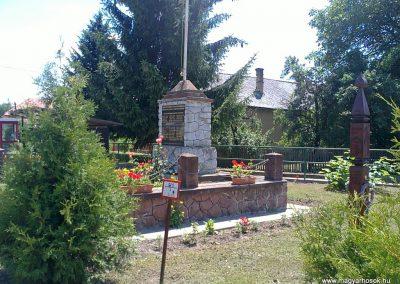 Szuhafő világháborús emlékmű 2012.06.27. küldő-Pataki Tamás (4)