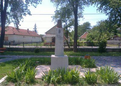 Szuhogy világháborús emlékmű 2012.06.21. küldő-Pataki Tamás