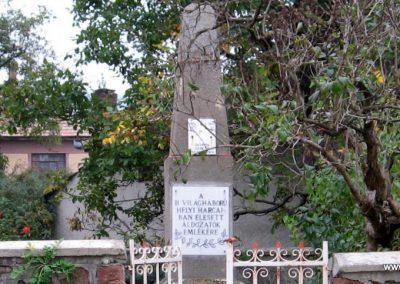 Szurdokpüspöki II.vh emlékmű 2007.10.12. küldő-Kályhás (1)