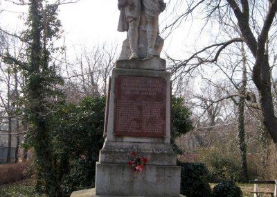 Tápiógyörgye világháborús emlékmű 2011.03.11. küldő-kalyhas (1)