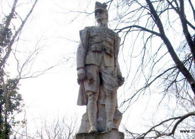 Tápiógyörgye világháborús emlékmű 2011.03.11. küldő-kalyhas (11)