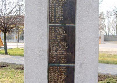 Tápiószele Hősi emlékmű 2011.03.11. küldő-kalyhas (5)