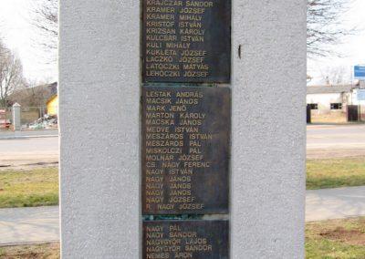 Tápiószele Hősi emlékmű 2011.03.11. küldő-kalyhas (7)