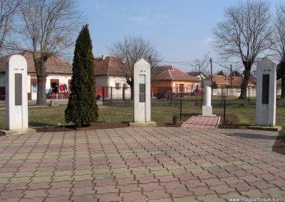 Tápiószele Hősi emlékmű 2011.03.11. küldő-kalyhas (9)