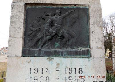 Tápiószentmárton világháborús emlékmű 2015.01.17. küldő-kalyhas (4)