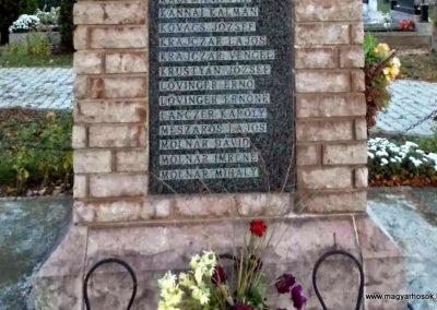 Tápszentmiklós II. világháborús emlékmű 2013.10.23. küldő-Méri (4)