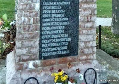 Tápszentmiklós II. világháborús emlékmű 2013.10.23. küldő-Méri (8)