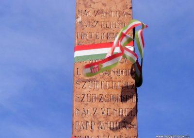 Tárkány világháborús emlékmű 2013.03.04. küldő-Méri (20)