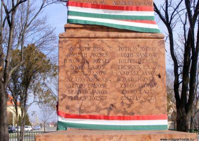 Tárkány világháborús emlékmű 2013.03.04. küldő-Méri (26)