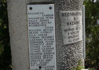 Táska világháborús emlékmű 2009.04.21.küldő-Sümec (2)