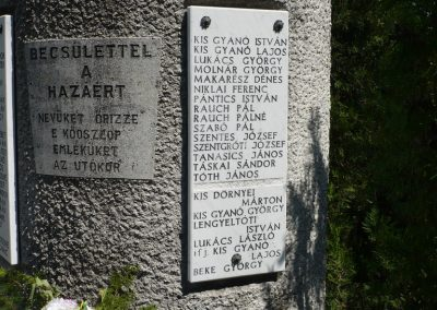 Táska világháborús emlékmű 2009.04.21.küldő-Sümec (4)