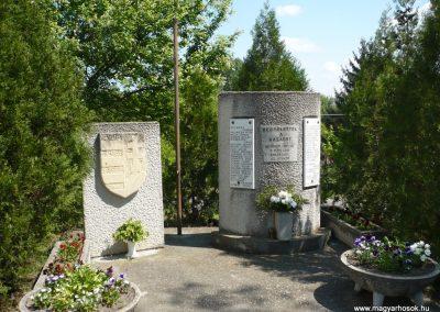 Táska világháborús emlékmű 2009.04.21.küldő-Sümec (5)