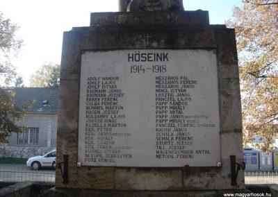 Tát I.vh emlékmű 2008.10.30.küldő-Huszár Peti (2)