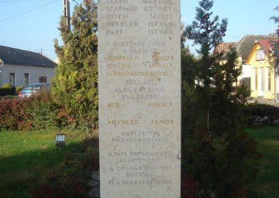 Tát II.vh emlékmű 2008.10.30. küldő-Huszár Peti (4)