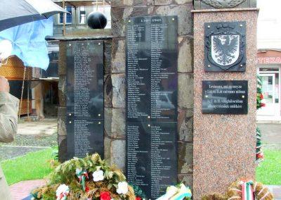 Técső világháborús emlékmű 2010.07.14. küldő-Horváth Zsolt Sajnos a II.vh-s áldozatok nevét csak cirill betűkkel írták ki,pedig 90%-uk magyar... (9)