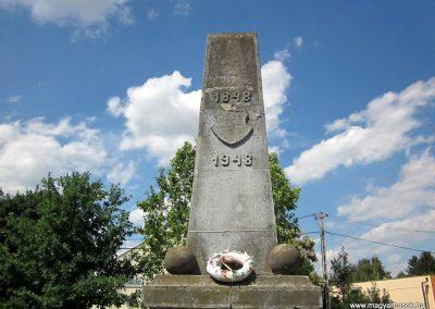 Tímár világháborús emlékmű 2014.06.23. küldő-kalyhas (3)
