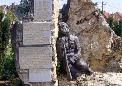 Tóalmás világháborús emlékmű 2014.09.18. küldő-Sümegi Csaba (2)