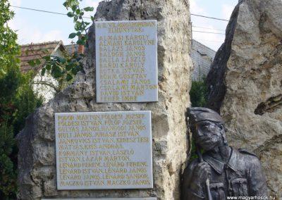 Tóalmás világháborús emlékmű 2014.09.18. küldő-Sümegi Csaba (3)
