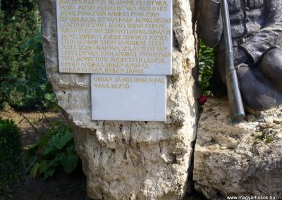 Tóalmás világháborús emlékmű 2014.09.18. küldő-Sümegi Csaba (4)