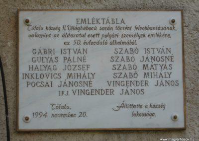 Tófalu világháborús emlékmű 2007.06.12.küldő-Kályhás (2)