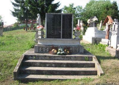 Tófalu világháborús emlékmű 2007.06.12.küldő-Kályhás