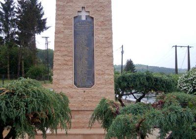 Tófej világháborús emlékmű 2012.05.07. küldő-Ágca (1)