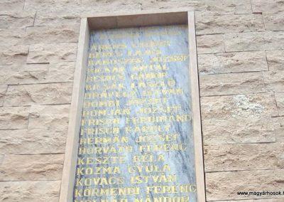 Tófej világháborús emlékmű 2012.05.07. küldő-Ágca (11)