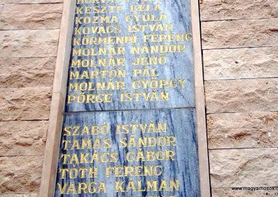 Tófej világháborús emlékmű 2012.05.07. küldő-Ágca (12)