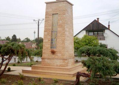 Tófej világháborús emlékmű 2012.05.07. küldő-Ágca (14)