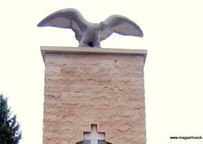 Tófej világháborús emlékmű 2012.05.07. küldő-Ágca (2)