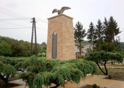 Tófej világháborús emlékmű 2012.05.07. küldő-Ágca (6)