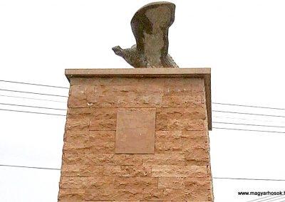 Tófej világháborús emlékmű 2012.05.07. küldő-Ágca (7)