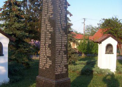 Tószeg II.vh emlékmű 2009.04.26. küldő-miki (2)