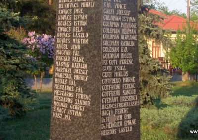 Tószeg II.vh emlékmű 2009.04.26. küldő-miki (4)