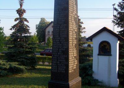 Tószeg II.vh emlékmű 2009.04.26. küldő-miki (7)
