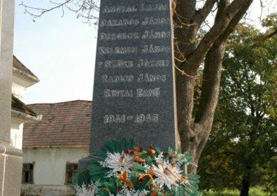 Tótszentgyörgy világháborús emlékmű 2006.10.01. küldő-Dr.Lázár Gyula Levente (3)