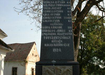 Tótszentgyörgy világháborús emlékmű 2006.10.01. küldő-Dr.Lázár Gyula Levente