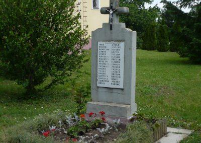 Tótszentmárton II.vh emlékmű 2009.05.23.küldő-Sümec (3)