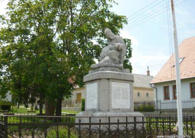 Tótvázsony I.vh emlékmű 2010.05.30. küldő-Ágca (6)