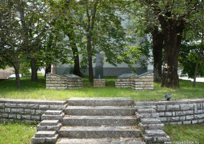 Tótvázsony II.vh emlékmű 2010.05.30. küldő-Sümec