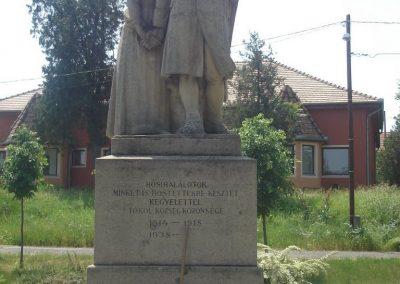 Tököl I.vh emlékmű 2009.05.18.küldő-Huszár Peti (1)