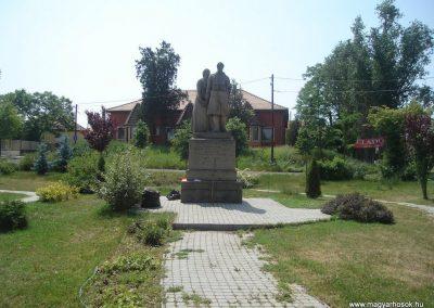 Tököl I.vh emlékmű 2009.05.18.küldő-Huszár Peti
