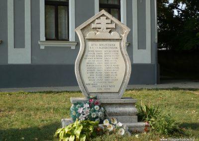 Tök II.vh emlékmű 2009.09.19. küldő-Sümec (3)