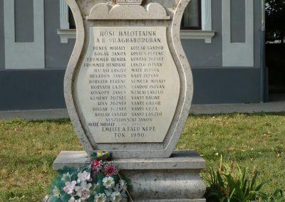 Tök II.vh emlékmű 2009.09.19. küldő-Sümec