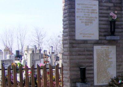 Töltéstava hősi emlékmű 2013.03.04. küldő-Méri (1)